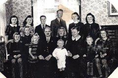 Peder_Leth_med_familie._14_boern