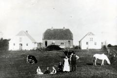 Soeren-og-Jkobine-med-boerneboern-i-Batum.