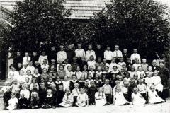 Skolebillede-laerer-Henneberg.2JPG