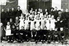 Skolebillede-laerer-Henneberg