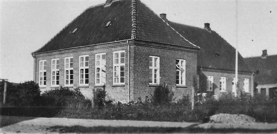 Billedet viser Hvidding skole fra 1928