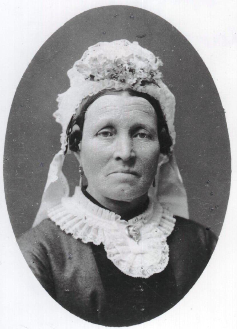 B, Larsine Sørensen, senere Pedersen født Thorstensen